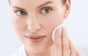 ProACNE Solution Toner | For acne-prone skin | Eucerin ...